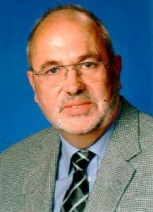 <p>Professor Dr. Johannes Hellebrand</p>